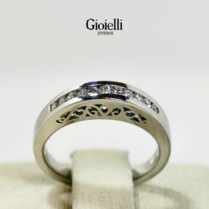 anillo de compromiso en oro blanco con diamantes