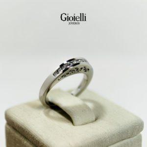 Anillo en Oro blanco 18k con Diamantes
