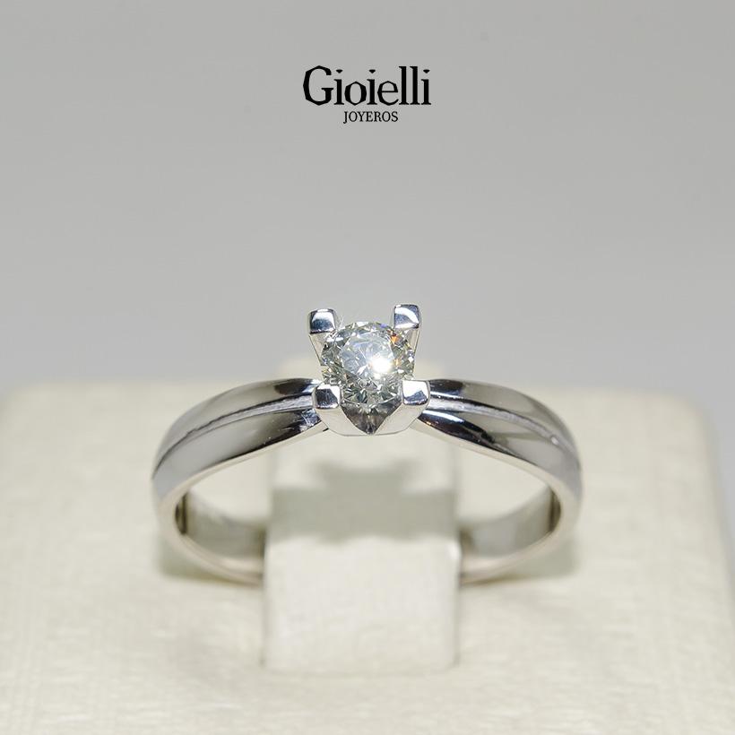 anillo de compromiso oro blanco 18 kilates con diamante