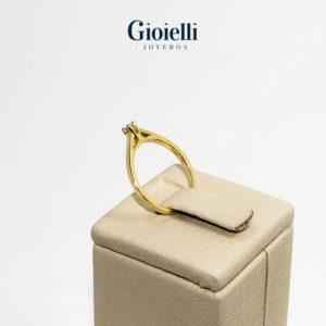 Anillo de Comrpomiso en Oro 18k con Diamante